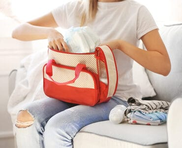 Pros and Cons of Using a Diaper Bag